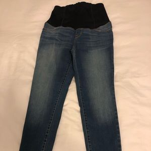 NWT Ingrid & Isabel maternity jeans size 2/26
